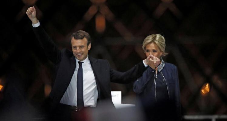 O aluno e a professora: Macron e Brigitte (Foto Divulgação)